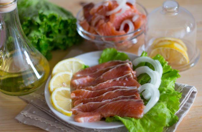 Как засолить красную рыбу вкусно и быстро в домашних условиях...