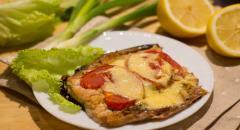 Горбуша в духовке с помидорами и сыром...