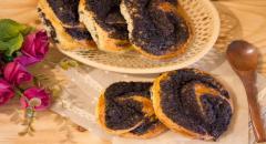Пышные булочки на кефире без дрожжей с маком