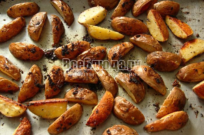 запекаю картофель