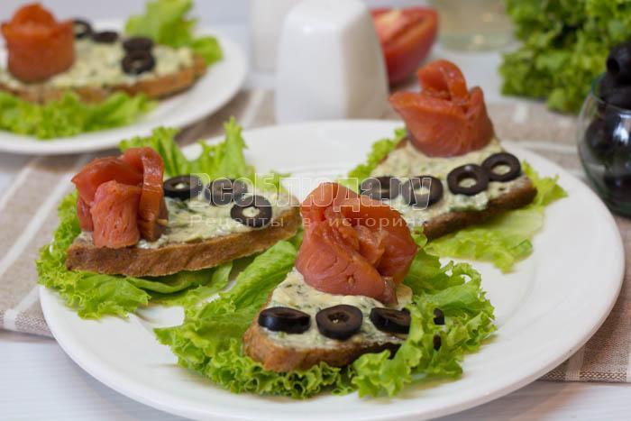 Бутерброды с соленой семгой