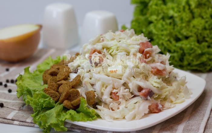 готовый салатик с кальмарами Форест