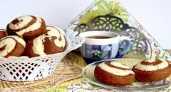 Двойное печенье из белого и коричневого теста