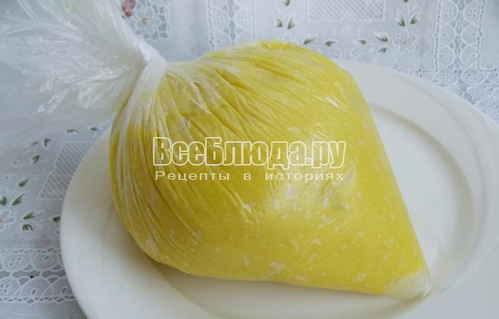 выложить картошку в мешок