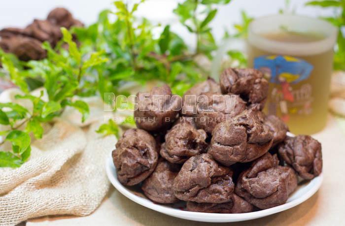 вкусные шоколадные эклеры