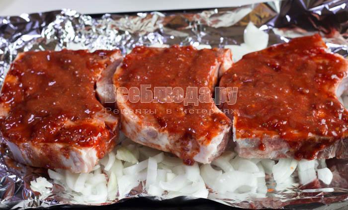 стейк из свинины в фольге в духовке с картошкой
