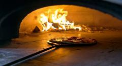 Ароматная пицца в дровяной печи: что нужно для вкусного блюда...