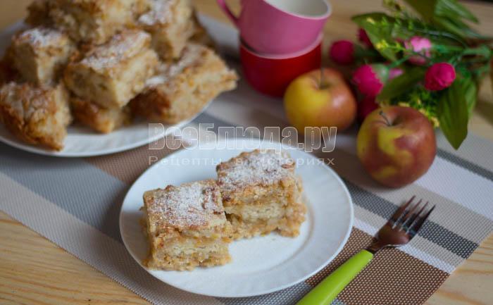 сочный насыпной яблочный пирог