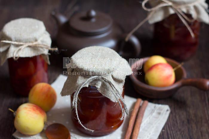 готовое варенье из яблок и слив