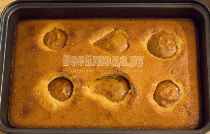 румяный кекс с грушами