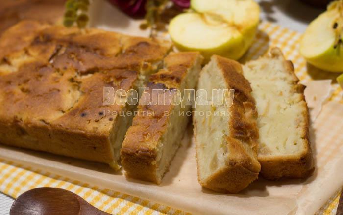 готовый простой яблочный кекс