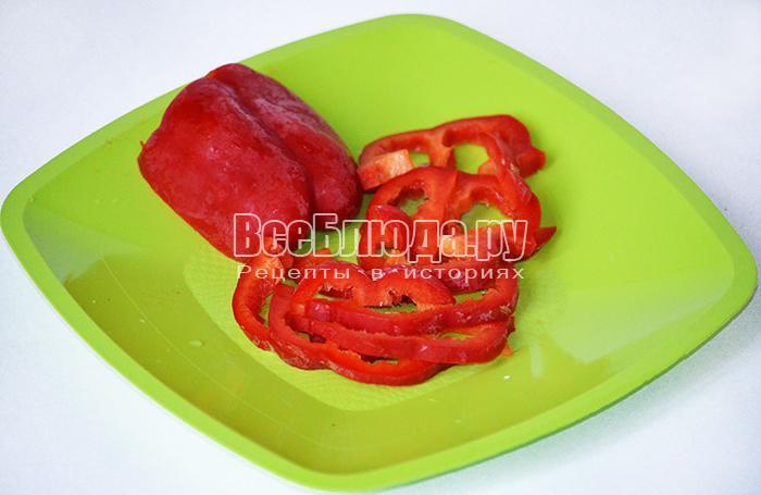 нарежьте болгарский перец