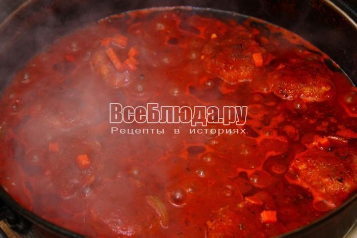 потушить котлеты в томатном соусе