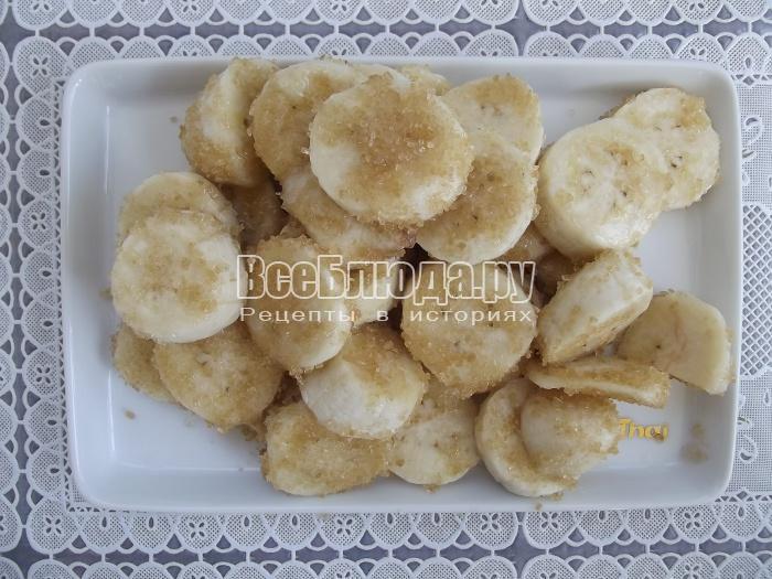 режем бананы