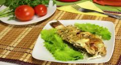 Рецепт карасей в сметане, запеченных в духовке