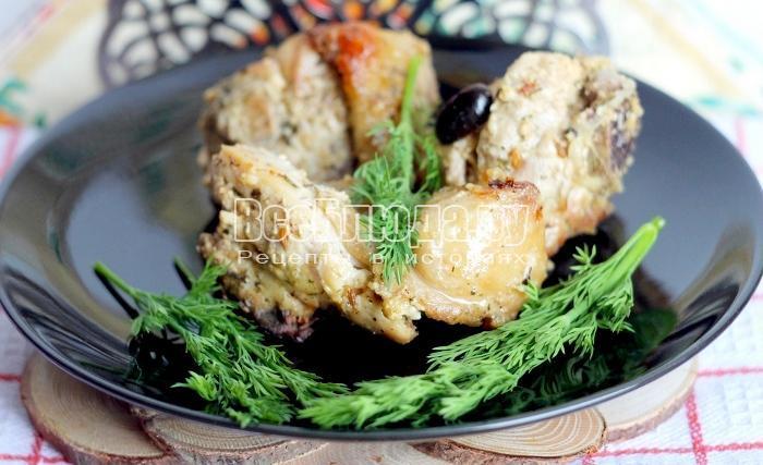 готовая курица в сметанном соусе