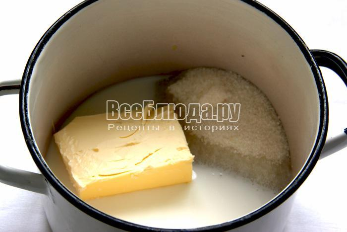 растопить масло с сахаром