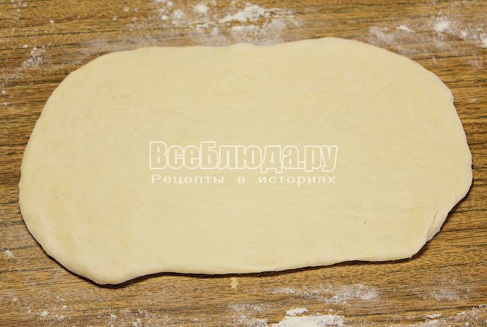 Раскатали тесто в прямоугольник