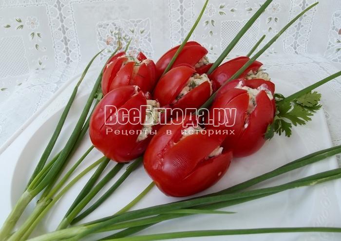 готовый букет тюльпанов из помидоров