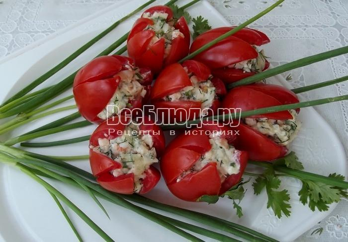 Тюльпаны из помидоров, фаршированные - рецепт на 8 марта