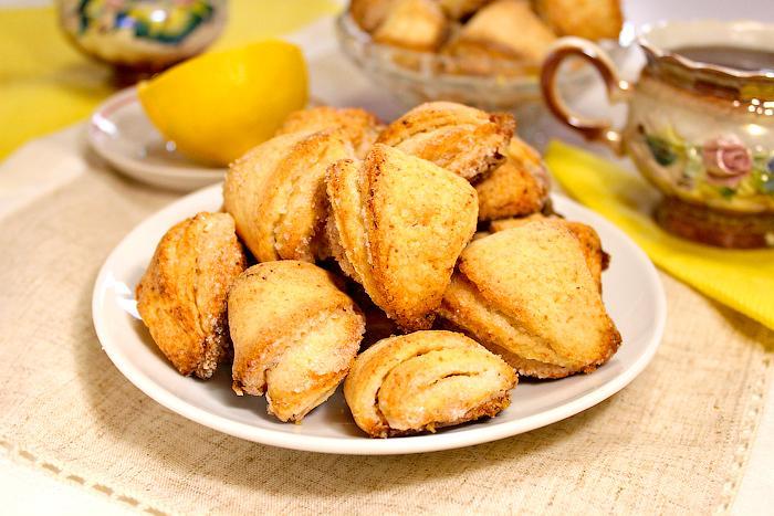 Печенье из творога Уголки