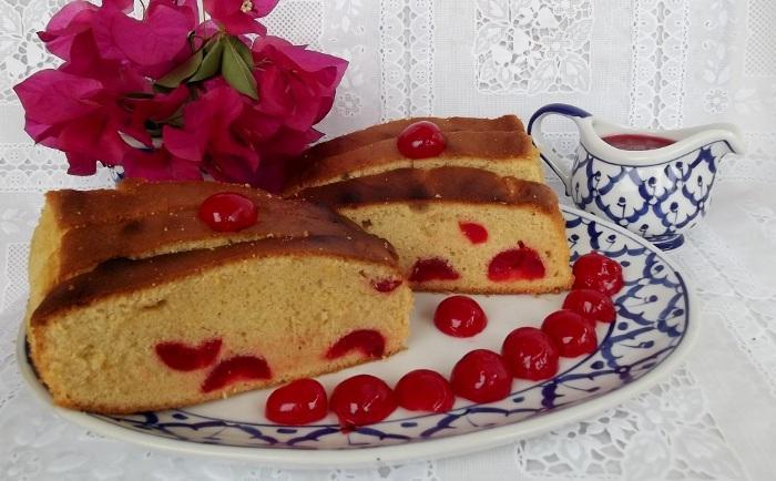 Вкусный кекс с вишней (консервированной)