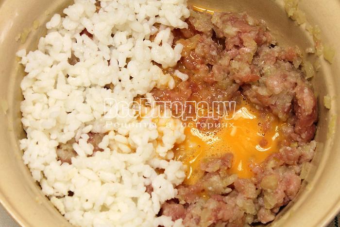 Фрикадельки из телятины с рисом в томатном соусе