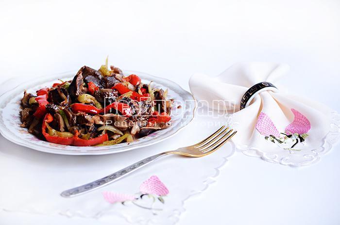 желудки с луком и болгарским перцем