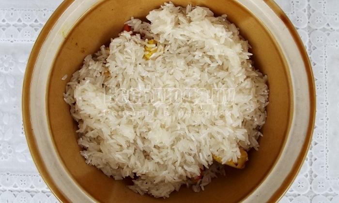 высыпать стакан риса