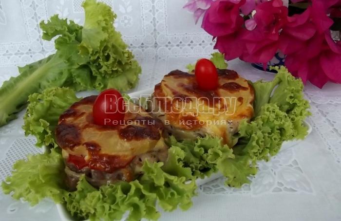 как приготовить мясо под ананасами в духовке с помидорами
