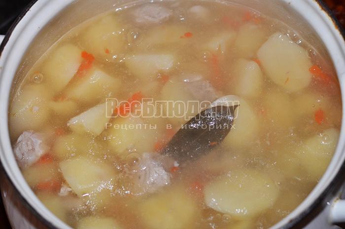 соедините картофель и мясо