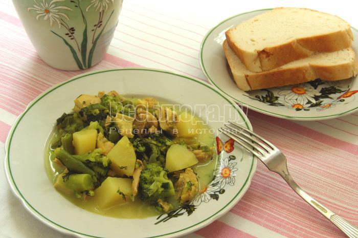 готовое рагу из курицы и овощей