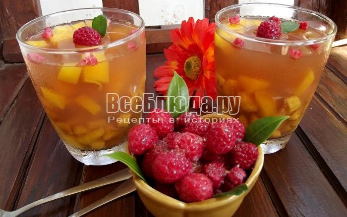 готовое желе с кусочками фруктов