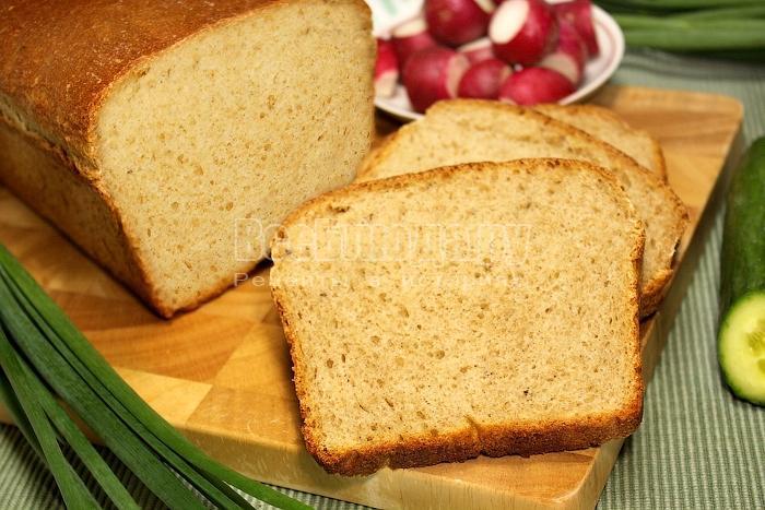 Готовый домашний хлеб в разрезе