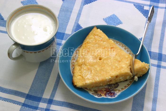 Рецепт творожной бабки на манной каше с вареньем