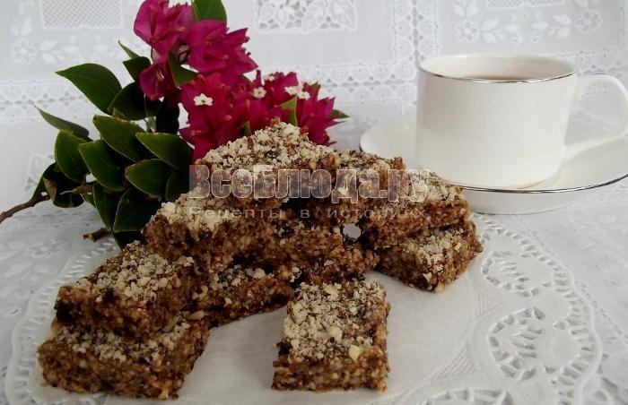 Конфеты из овсянки, изюма и орехов - вегетарианский рецепт