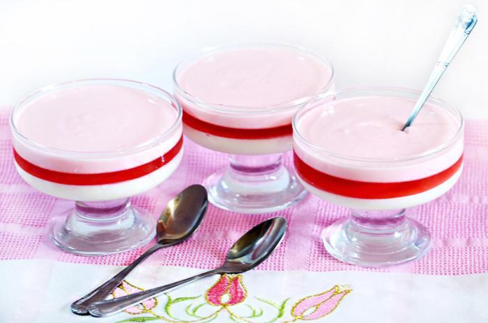 Рецепт сметанного желе с ягодной прослойкой