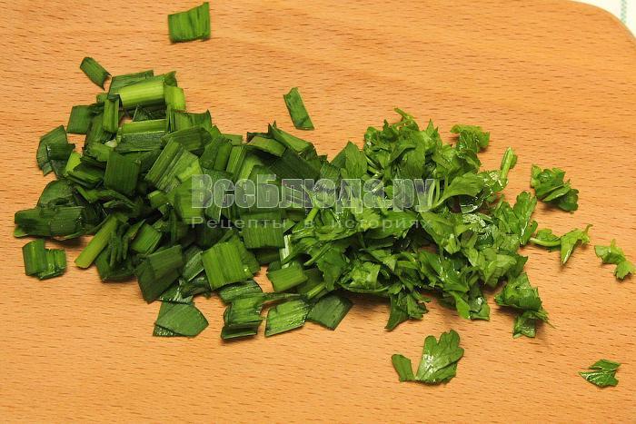 Нарезали зелень