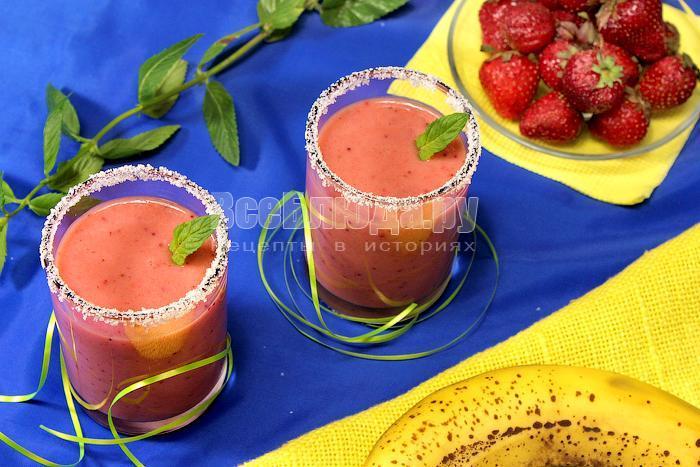 Рецепт клубничного смузи с бананами