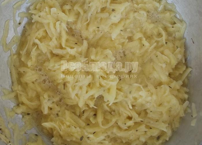 перемешать картофельную массу