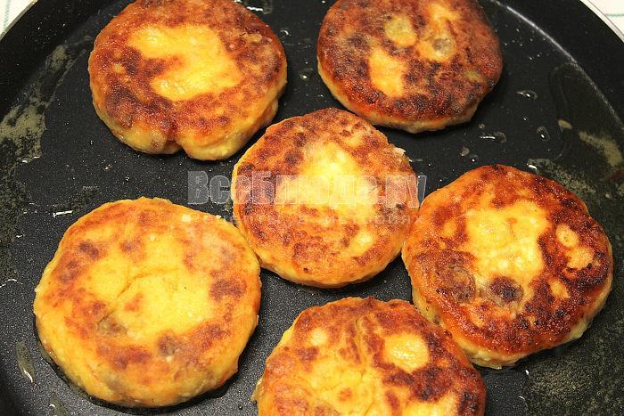 Поджарили сырники в масле