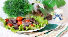 Рецепт тушеной печени с капустой (краснокочанной) и помидорами
