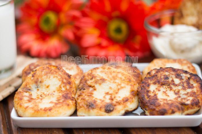 Сырники с изюмом с манкой из творога рецепт