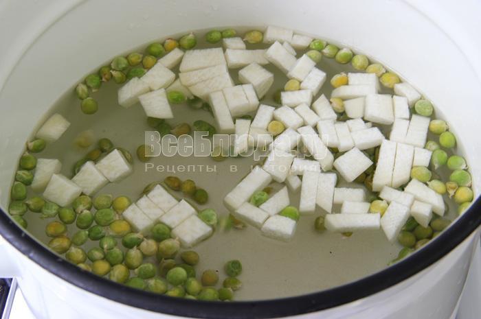 Рецепт белого супа с сыром и овощами