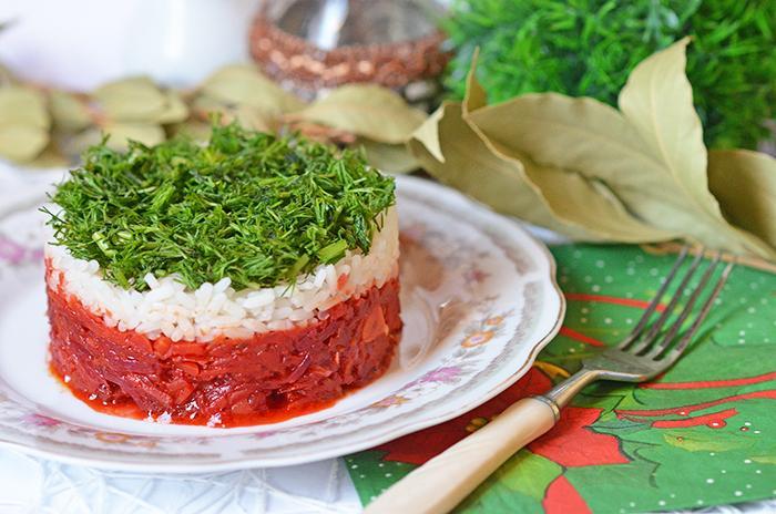 Рецепт горячего салата с рисом и овощами...