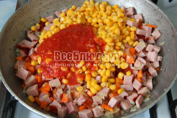 добавить консервированную кукурузу