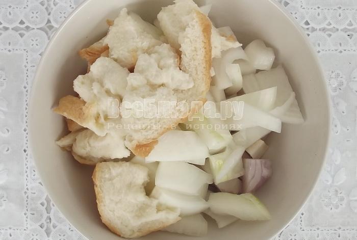 Рецепт зраз с перепелиными яйцами и сыром внутри