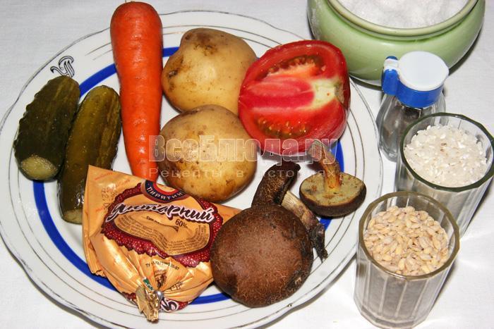 ингредиенты для рассольника с сыром