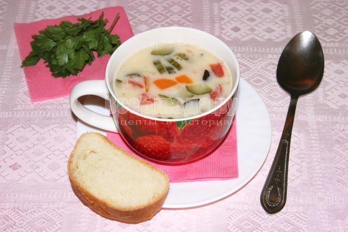 Белый рассольник с сыром и двумя крупами (рис и перловка)