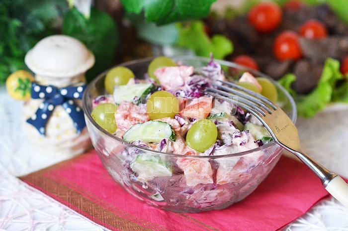 посолите салат по вкусу